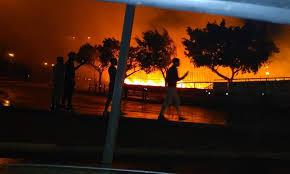 بالفيديو: اندلاع النيران بمخيم للمهاجرين الأفارقة بالقرب من محطة اولاد زيان بالدارالبيضاء.