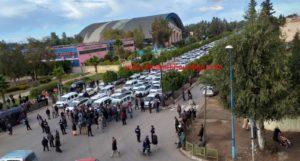 سائقو الطاكسيات يحتجون أمام مقر عمالة اقليم خريبكة