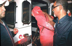 توقيف سيدة و ابنتها بتهمة الضرب و الجرح المفضي إلى الموت المقرون بإضرام النار