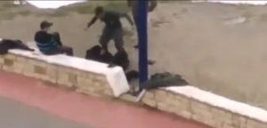اعتداء شخص بزي وظيفي على مواطن..يعجل بفتح تحقيق من طرف وزارة الداخلية