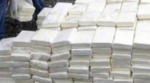 حجز حوالي طن ونصف من مخدر الكوكايين في عملية تهريب دولي للمخدرات