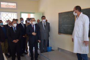 والي جهة بني ملال خنيفرة… يقوم بزيارة ميدانية للمؤسسات التعليمية بإقليم بني ملال